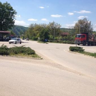 Na inicijativu Općine Sanski Most, JP Ceste Federacije BiH je raspisalo natječaj za odabir izvođača radova u sklopu projekta izgradnje kružnog toka u Pobriježju.