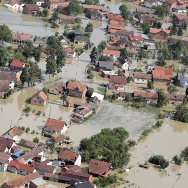 Vlada Republike Srpske izdvojila je ukupno 44 miliona KM za saniranje štete od prošlogodišnjih poplava, koje su konstatovane na 19.963 poljoprivrednih gazdinstava u ukupnom iznosu od 61 milion KM.