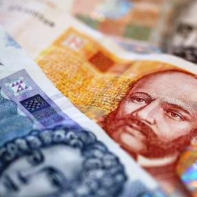 Vlada RH radi na novom sustavu plaća u javnom sektoru, prvenstveno kako bi se nagradilo nabolje u tom sustavu, izjavio je potpredsjednik Vlade i ministar regionalnog razvoja i fondova Europske unije Branko Grčić.