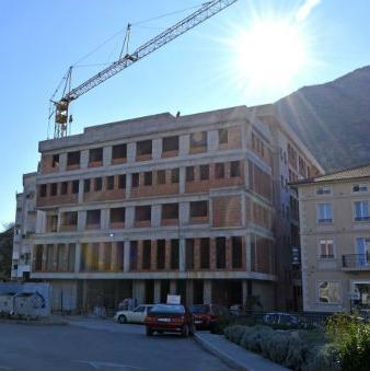Najveći pojedinačni donator je Vlada Republike Hrvatske koja je donirala 2,8 milijuna kuna (oko 700 000 maraka).