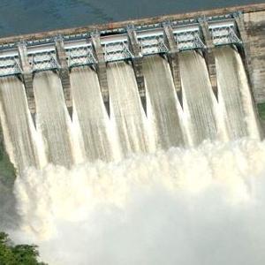 """U Ministarstvu za prostorno uređenje, građevinarstvo i ekologiju RS smatraju da se kampanjom protiv izgradnje malih hidroelektrana na području Nacionalnog parka """"Sutjeska"""" već duže vrijeme neistinama obmanjuje javnost."""