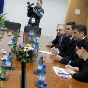 Premijer Novalić je nakon sastanka rekao novinarima da su resorno federalno i kantonalno ministarstvo radili godinu i mjesec na revitalizaciji TTU-a.