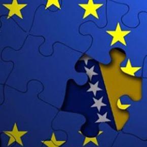 Predsjednik DF-a Željko Komšić izjavio je u Sarajevu da je Predsjedništvo BiH danas usvojilo izjavu o evropskoj opredijeljenosti i neophodnim reformama.