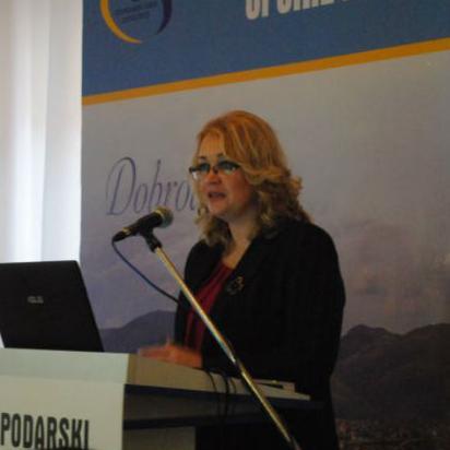 U Žepču je danas počeo Drugi Gospodarski forum na kojem su se okupili eminentni stručnjaci iz javnog i privatnog sektora iz područja energetske učinkovitosti iz Bosne i Hercegovine, Hrvatske, Srbije i Češke.