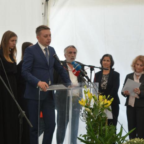Rusmir Hrvić , direktor kompanije Klas danas je u Zenici ozvaničio početak 22. generalnog bh. sajma  ZEPS i 12. ZEPS international međunarodnog sajma metala.