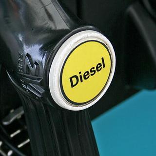 Zastupnici drugog doma njemačkog parlamenta predložili su EK da se nakon 2030. zabrani registriranje vozila koja pokreću motori na unutarnje izgaranje.