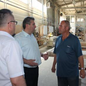 Nakon obilaska proizvodnih pogona gradonačelnik Galijašević kazao je da je prezadovoljan činjenicom da se u gradu Bihaću nalazi jedna proizvodna firma čiji proizvodi se izvoze u Austriju, Švicarsku i Njemačku.