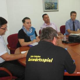 U opredjeljenju da je stečaj jedino ispravno i zakonito rješenje za Tvornicu transportnih uređaja (TTU) Tuzla, danas su premijer Tuzlanskog kantona Bego Gutić i kantonalni ministri razgovarali s radnicima ovog preduzeća.