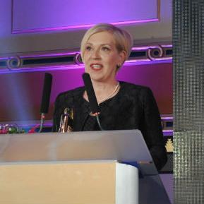 """Jasminka Pindžo, direktorica kompanije """"Eko Teh"""" iz Sarajeva, dobitnica je nagrade Lady Boss u kategoriji srednjeg biznisa. Svim ženama koje ima viziju i vjeru u svoje ideje savjetuje da  hrabro krenu u njihovu realizaciju."""