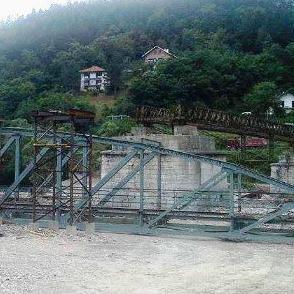 Iz Opštine podsjećaju da je u toku druga faza obnove željeznog mosta na Drini, te da bi projekat trebalo da bude završen do kraja godine.