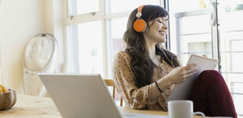 Da li je poželjno slušati muziku tokom procesa čitanja i učenja?