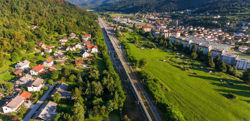 EIB odobrio Sloveniji kredit od 250 milijuna eura za prugu Koper-Divača
