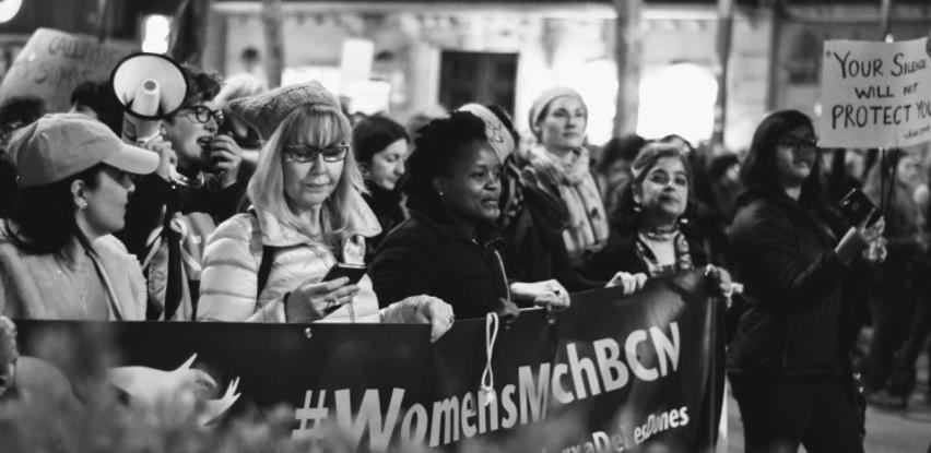 Žene u 2020. izgubile najmanje 800 milijardi dolara prihoda