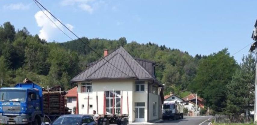 Trnovo: Završeno uređenje centra mjesne zajednice Delijaš