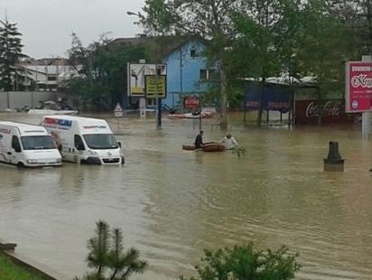Prijavilo se 180 firmi za učešće u podjeli pomoći poplavljenim u RS