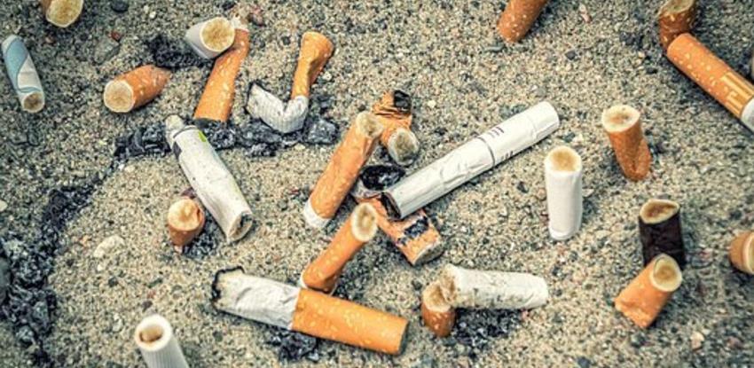 Francuzi kreću u borbu protiv odbačenih opušaka, proizvođači cigareta plaćat će čišćenje
