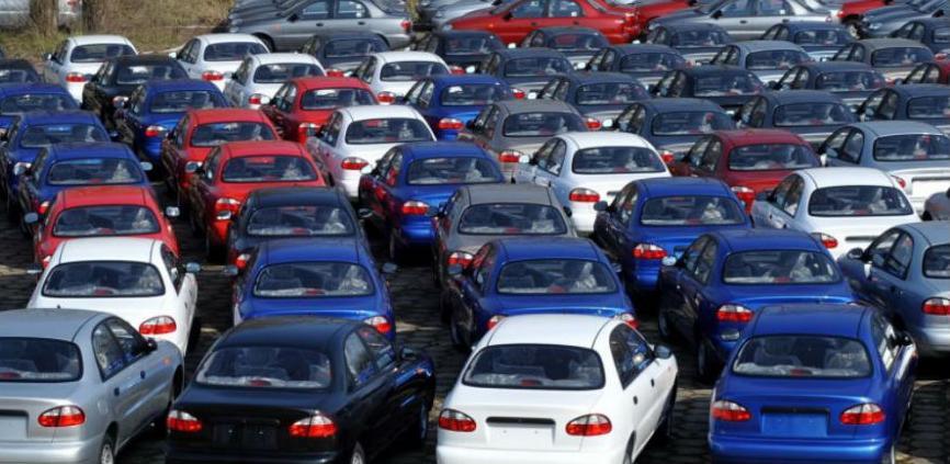 Prošle godine registrovano više od 900.000 vozila