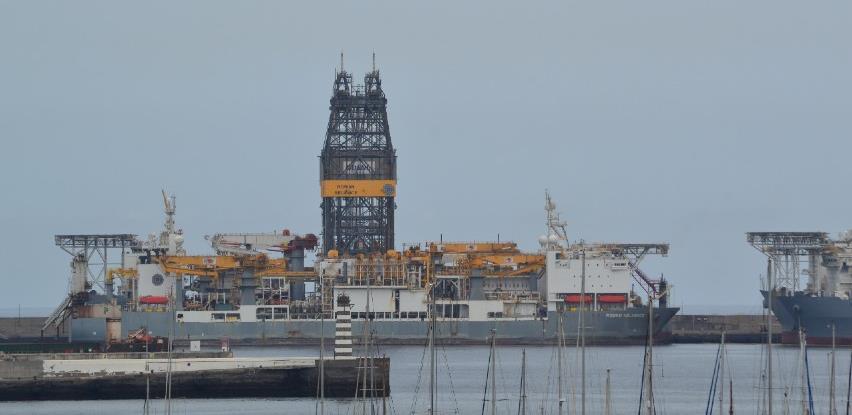 Cijene nafte na londonskom tržištu blago porasle, na američkom pale