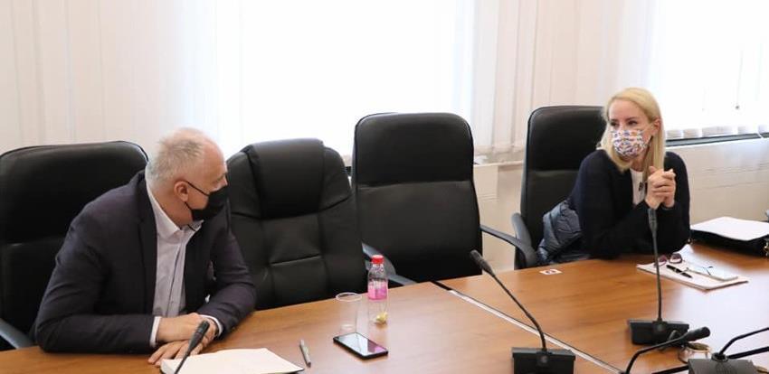 """""""Malina"""" respiratori: Na sastanku žustra rasprava, Izetbegović odbila sve zahtjeve Vlade KS"""