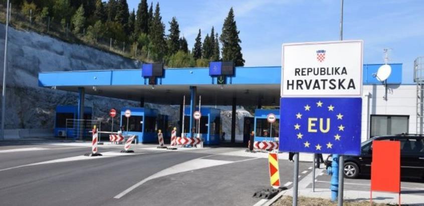 Hrvatska ponovo razmatra uvođenje samoizolacije za građane BiH i Srbije