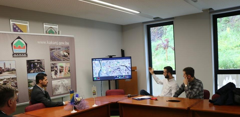 Mladi i uspješni Kakanjci kreirali elektronski nadzor kontejnerskih mjesta