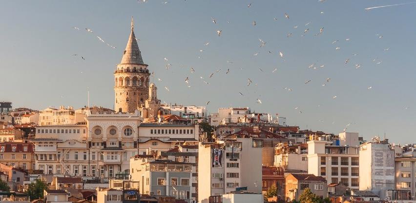 Turska: Popuštanje mjera rasteretilo vlasnike restorana, a zabrinjava liječnike