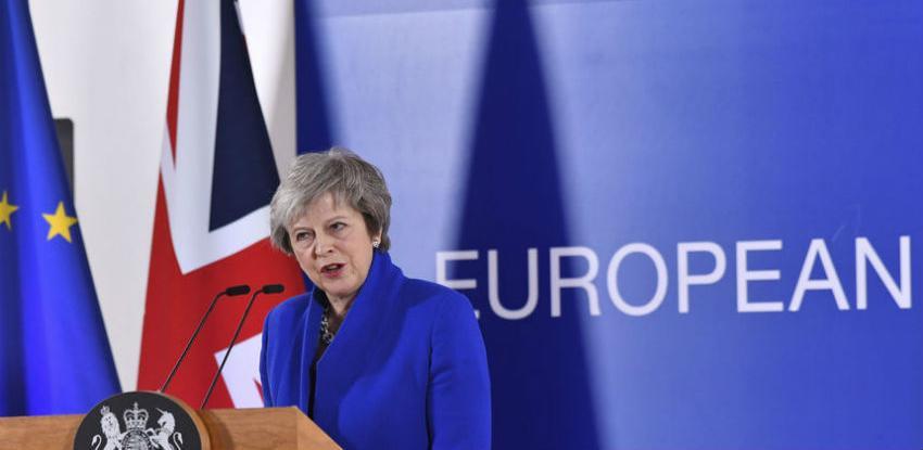 Većina članova stranke Therese May protivi se njezinom sporazumu o Brexitu