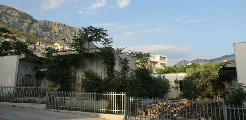 Hrvatski biznismen želi kupiti devastirano odmaralište Duće u Dugom Ratu