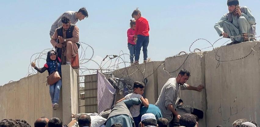 Nastavak evakuacija iz Kabula, Biden brani povlačenje
