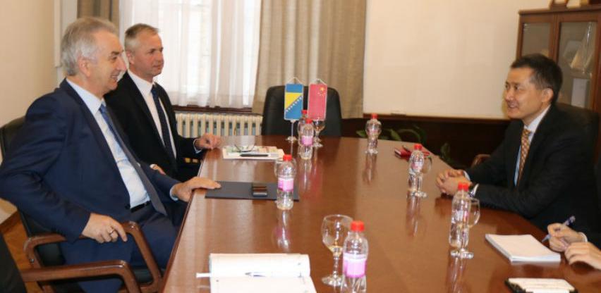 Šarović s kineskim ambasadorom: Nastaviti uzlazni trend saradnje BiH i Kine