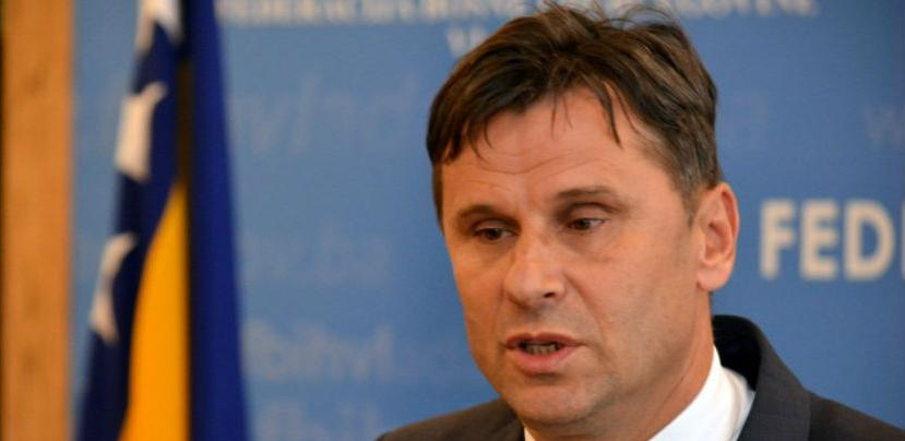 Novalić: U parlamentarnoj proceduri približiti stavove o upotrebi duhana