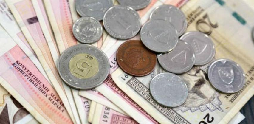 U RS-u prvi put prosječna plata veća od 900 KM