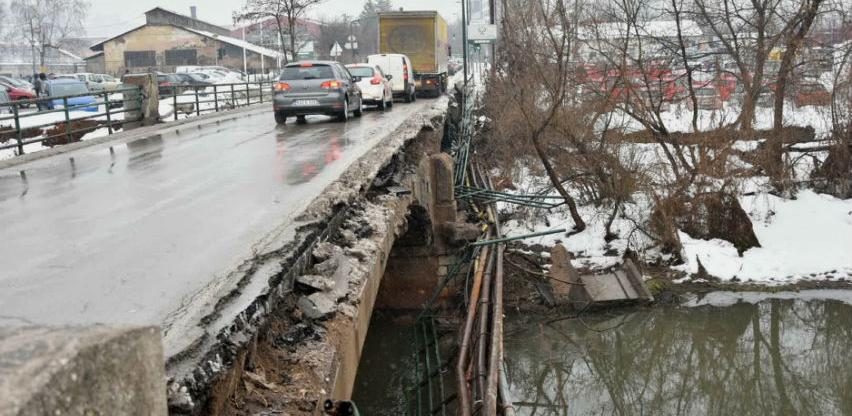 Počinje rekonstrukcija oštećenog mosta u Halilovićima