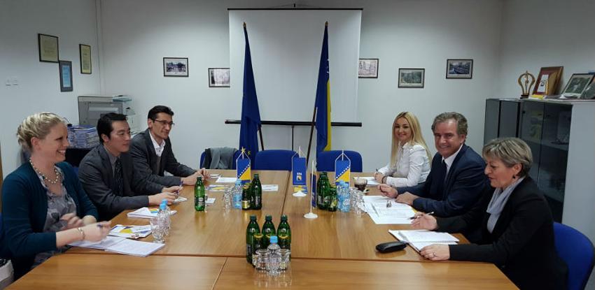 Predstavnik State Departmenta u FIPA-i: Povećati američke investicije u BiH