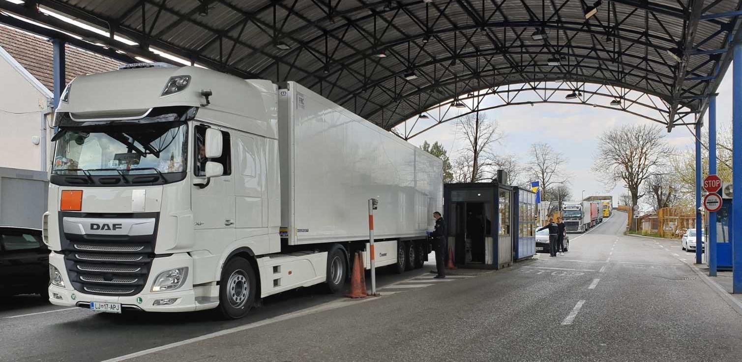 Svi granični prijelazi s Hrvatskom otvoreni za promet teretnih motornih vozila