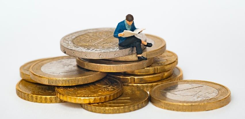 Ekonomija eurozone past će u četvrtom kvartalu 2,7 posto