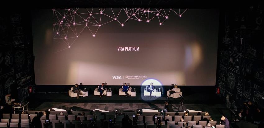 Intesa Sanpaolo Banka i Visa predstavili novu kampanju: Danis Tanović u spotu za Platinum karticu
