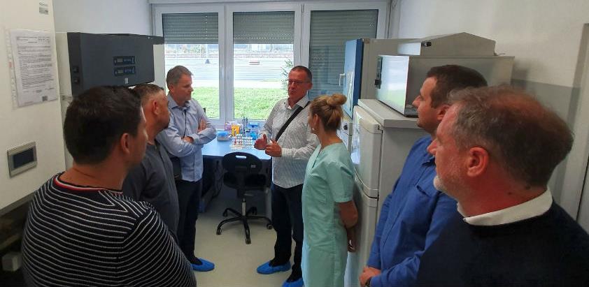 Čelnici HVI-a u posjeti laboratorijama INZ-a