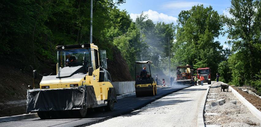 Počelo asfaltiranje puta za Priječane