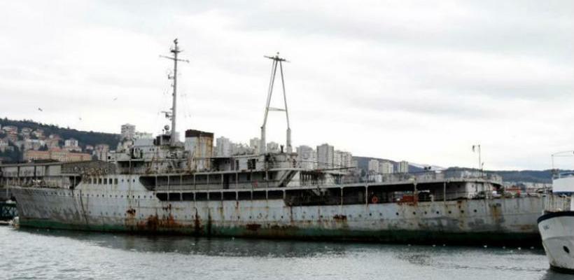 Legendarna i zahrđala Titova jahta bit će pretvorena u muzej na vodi