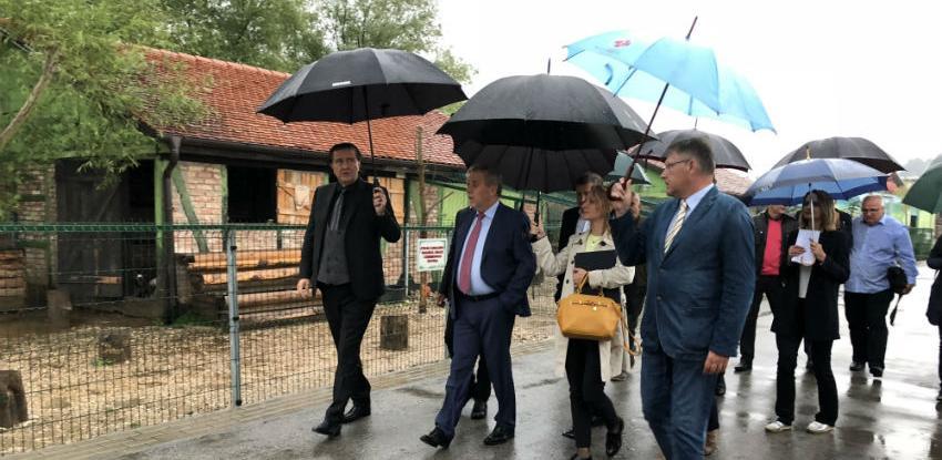 Zagrebački gradonačelnik u Tuzli obišao lava Tumu