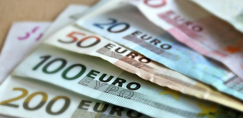 Euro ponovo ojačao, Katalonija sprečava veći rast