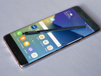 SAD povlače milion Samsungovih smartfona zbog baterije