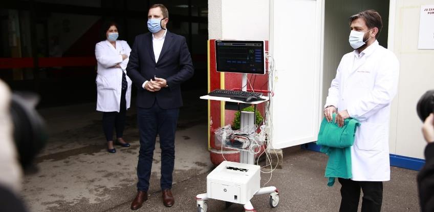 Grad Sarajevo donirao Hitnoj pomoći opremu za životno ugrožene pacijente