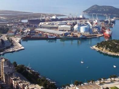 Hrvatska će prodati 19,98 posto dionica Luke Ploče