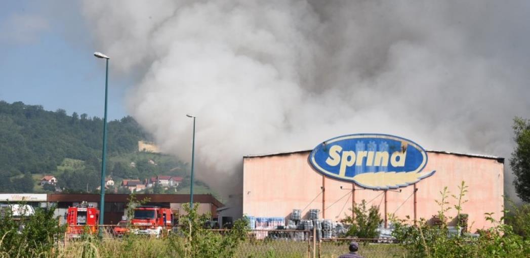 Lokalizovan požar u skladištu firme Sprind u Rajlovcu