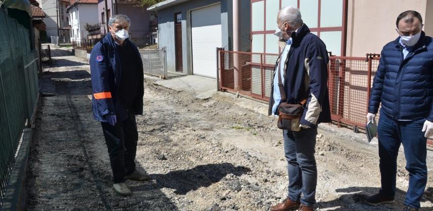 U toku radovi na rekonstrukciji dijela saobraćajnice u ulici Gornji Velešići