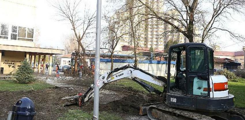 """Počeli radovi na vanjskom uređenju ispred objekta """"Doma zdravlja"""" Zenica"""