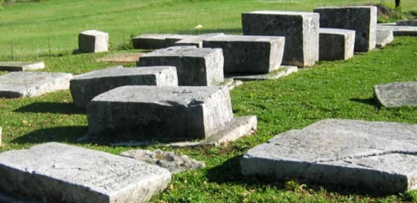 Pronađena četiri nova stećka na nekropoli Boljuni kod Stoca