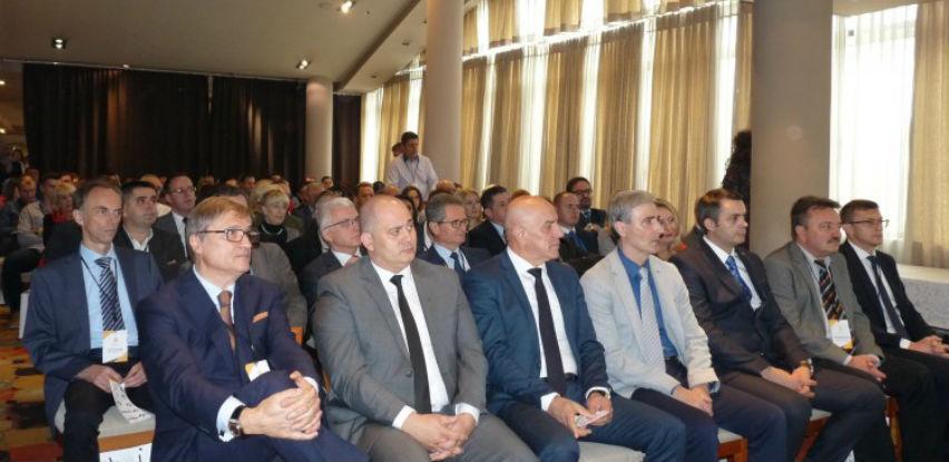 Ekonomski izazovi zemalja u tranziciji tema stručne konferencije u Zenici